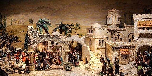 Nativity Scene by Gellinger (CC0 Public Domain)